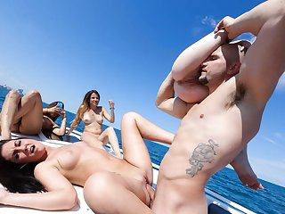 Drilling bikini coed vaginas on a boat