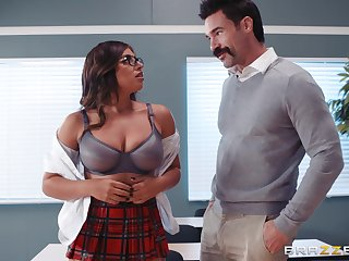 Ella Knox and her professor enjoy fuck and a blowjob in the classroom