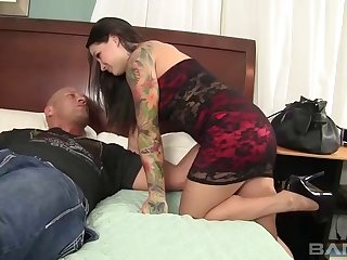 Salacious brunette with big melons coping with a hard prick hardcore
