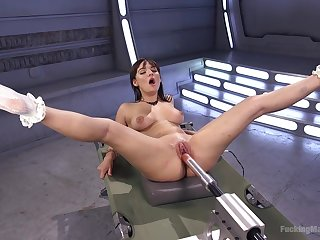 Bitch feels the fucking machine smashing her pussy and ass