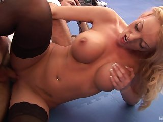 Stacked tease Antonia Deona gets the good dicking she was craving