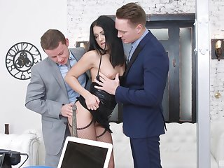 MMF threesome ends with double penetration for Jessica Lincoln