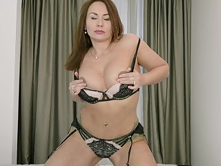 Wife removes lingerie to spice things even more