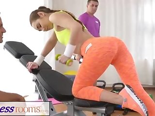 Fit honey determined to remain in form by having fuck-a-thon with her trainer, instead of doing exercise