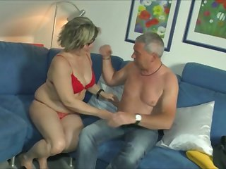 Mature woman gives her head and gets her pussy nailed hard